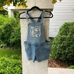 Arizona Jeans Co GIRLS overall shorts. NWOT